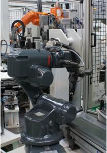 ????????  Mejora de procesos industriales 2 Robot para manipulacion y salida de piezas